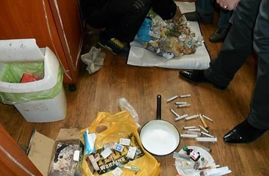 """В обласному центрі на вулиці Минайській міліція викрила """"засекречений"""" наркопритон"""