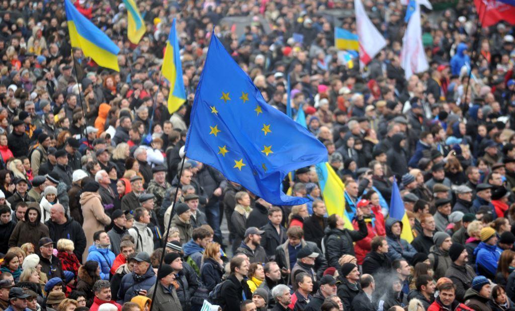 Громадські організації масово оголошують повну мобілізацію на Майдані