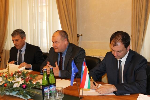 Під час візиту Держсекретаря Уряду Угорщини на Закарпаття говорили і про нові пункти пропуску