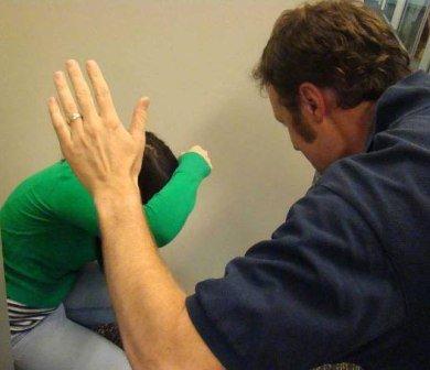 Жінка пролежала вдома більше місяця із важкими травмами і лише вчора в стані коми її доставили до лікарні