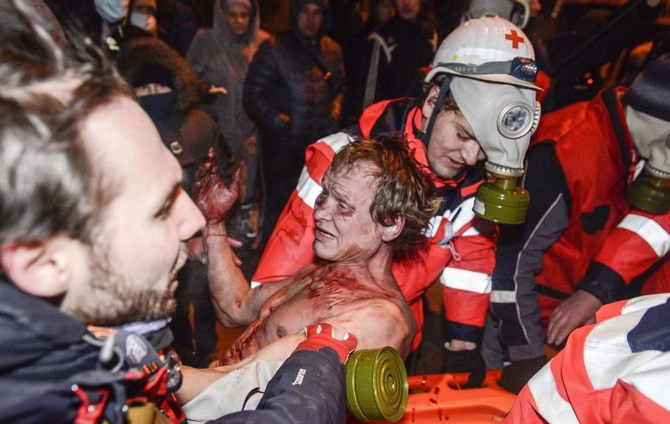 Йде восьма година протистояння: Кличко в Межигір'ї, мітингувальники зводять барикади, Беркут стоїть