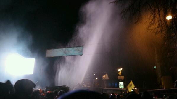 В київській міліції запевняють, що водомети проти протестувальників не застосовувались