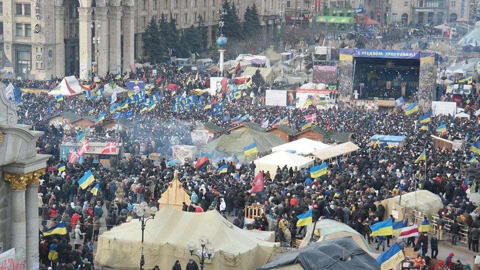 На Майдані Незалежності розпочалось Народне віче, люди налаштовані рішуче