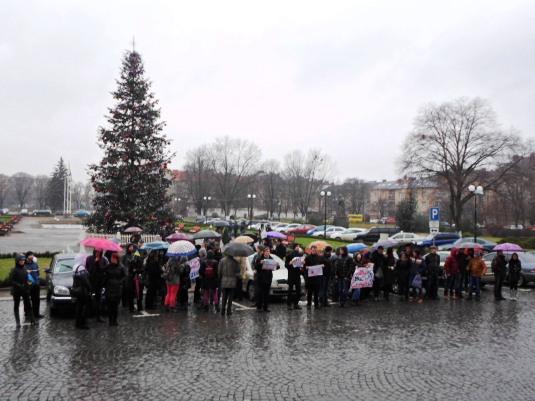"""""""Відступати нема куди"""", – говорять мітингувальники в Ужгороді і збираються на Євромайдан у Київ"""