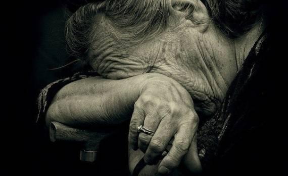 Аферистка ошукала у Мукачеві стареньку бабусю і виманила у неї гроші