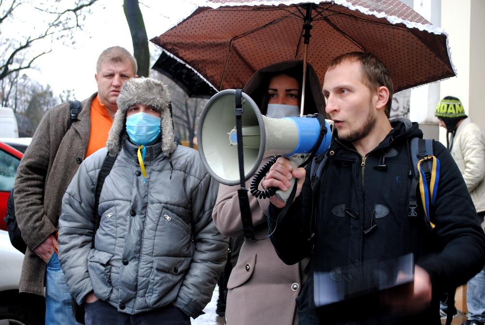 Ужгородці вимагають від нардепа Ковача, щоб той пояснив публічно свою позицію, щодо голосування у ВР 16 січня