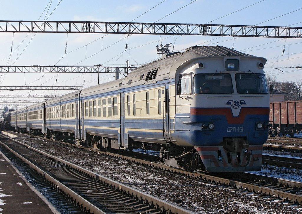 На Тячівщині п'яний чоловік потрапив під потяг, коли намагався перейти через залізничний переїзд
