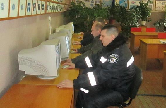Виноградівські міліціонери здавали заліки зі знання правил дорожнього руху