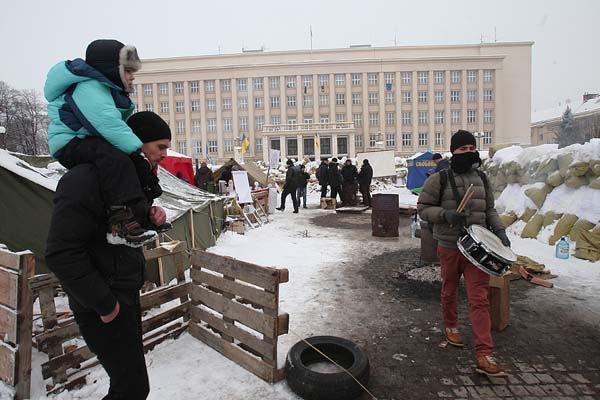Завтра мітингувальники мають намір заблокувати Закарпатську ОДА і не пустити на роботу чиновників