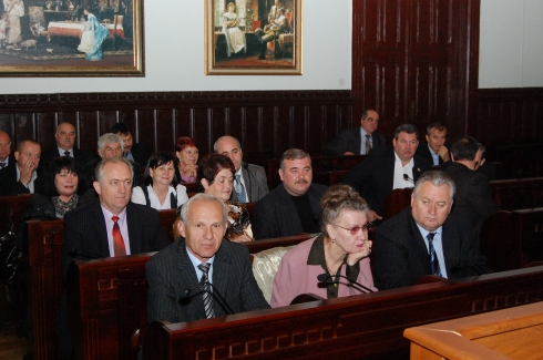 Прокуратура Мукачева подала до суду на рішення позачергової сесії Мукачівської міської ради