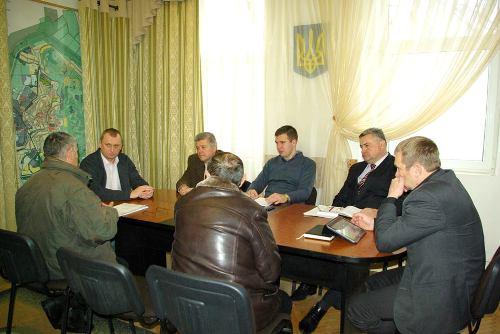 Мер Берегова провів робочу нараду з представниками дорожніх підприємств