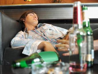 Зловживання хлопцем спиртними напоями привело його до реанімації