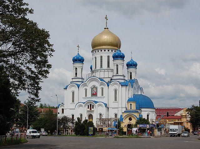 На черговій відкритій екскурсії Ужгородом розкажуть про архітектуру культових споруд міста