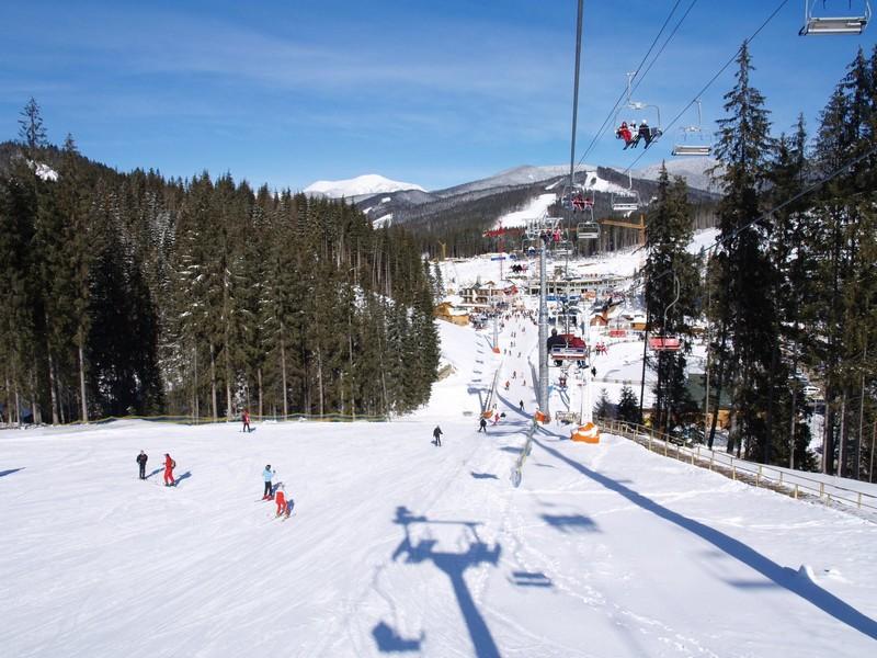 У Закарпатті під час катання на лижах отримали травми 7 туристів