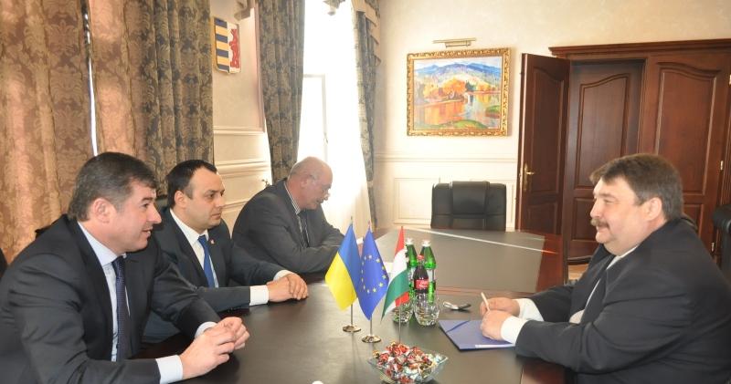 Голова облради зустрівся з Генконсулом Угорщини в Ужгороді Йожефом Бачкаї