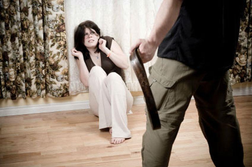 Через систематичне побиття вже колишньої дружини, чоловік поплатився адмінарештом