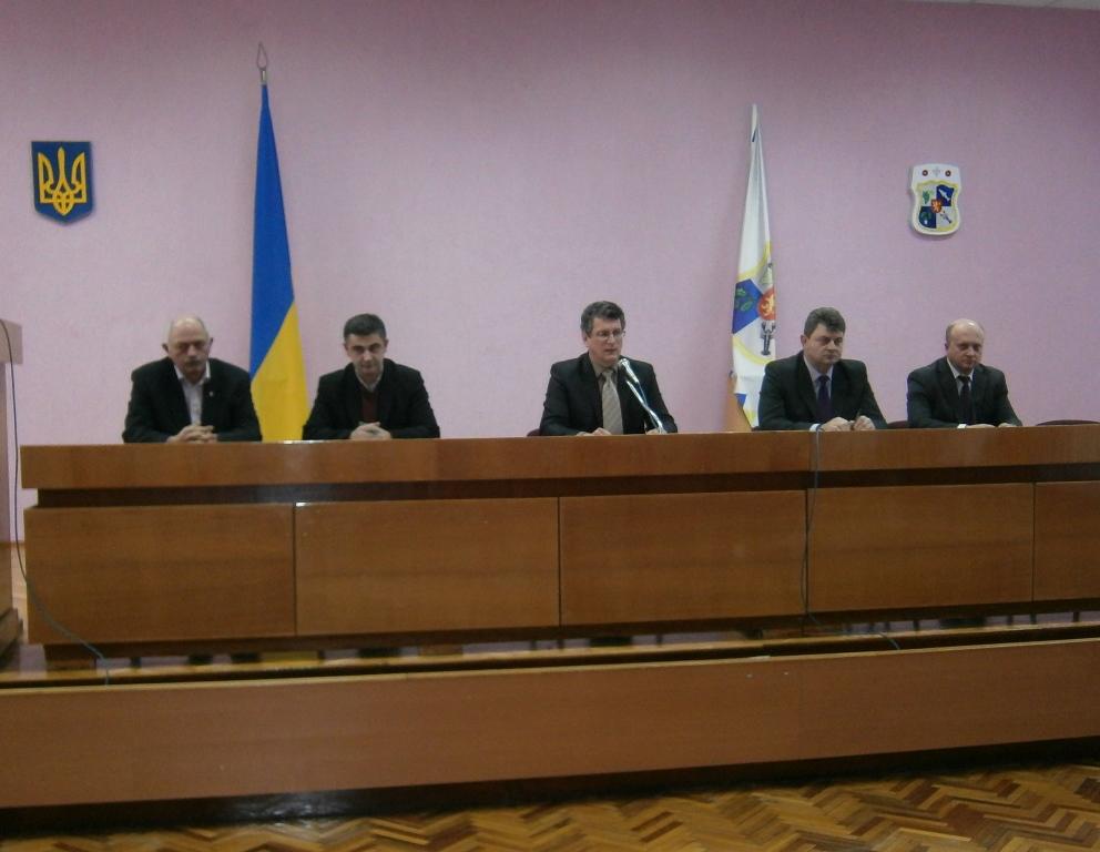 Депутати Виноградівської райради одноголосно прийняли бюджет на 2014 рік