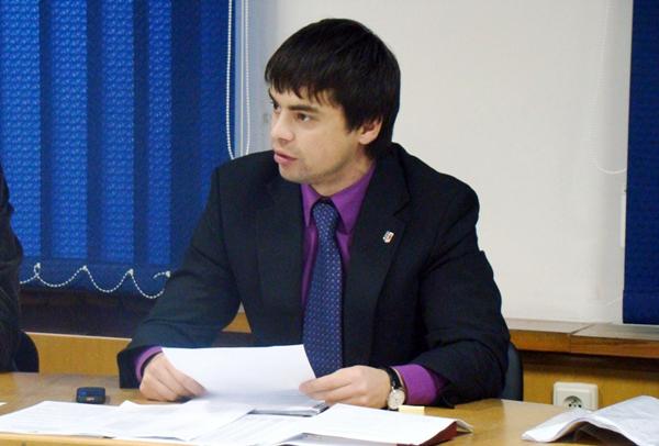 Виконуючому обов'язки міського голови Ужгорода Віктору Щадею вночі спалили автомобіль