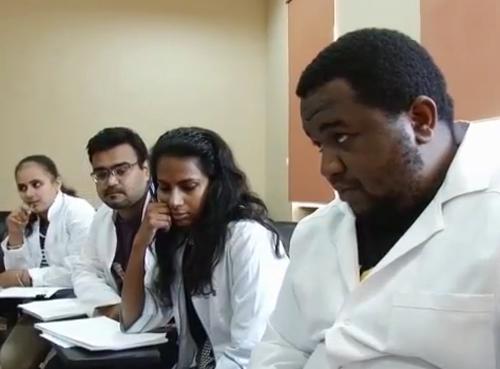 Тут дуже милі люди, навіть дружелюбніші, ніж в Луганську, – студентка з Індії про Ужгород (ВІДЕО)