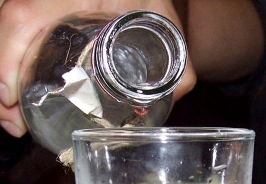 Підліток з Мукачівщини отруївся алкоголем