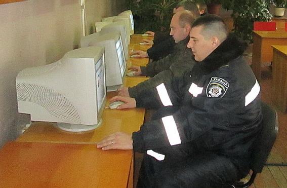 Виноградівських правоохоронців перевіряли на знання правил дорожнього руху