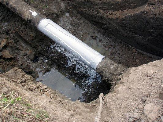 Біля одного з сіл Мукачівщини невідомі пошкодили нафтопровід