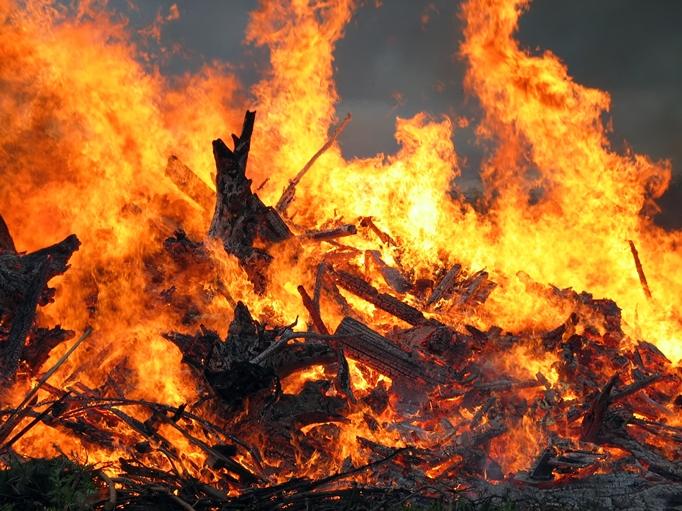 У Бобовищі вогонь наніс збитки власникові надвірної споруди