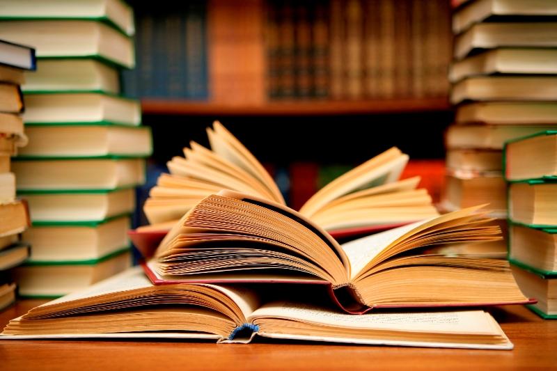 Із обласного бюджету виділили 160 тисяч гривень на друк книг двох закарпатських авторів