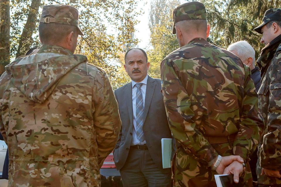 Посилаючись на військову таємницю, Губаль відмовився коментувати умови проживання мукачівських військових