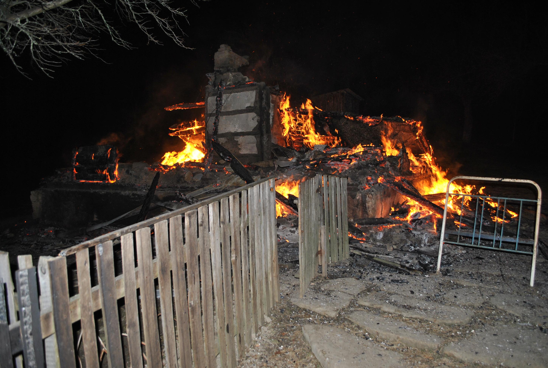 На Міжгірщині через піч згорів будинок