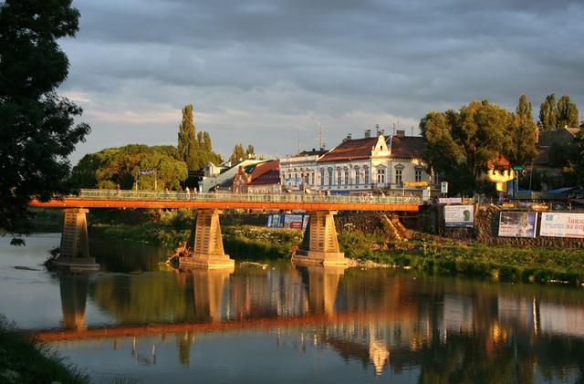 В історичному центрі Ужгорода знову з'явиться реклама