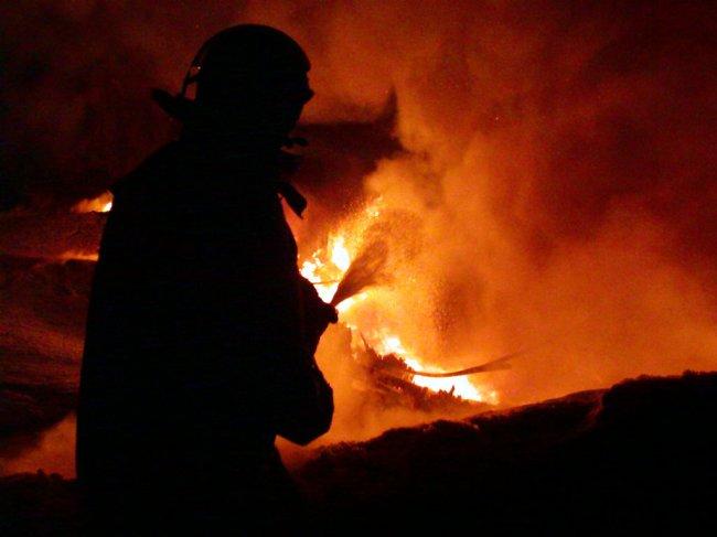 В одному із торгових комплексів Мукачева сталась пожежа