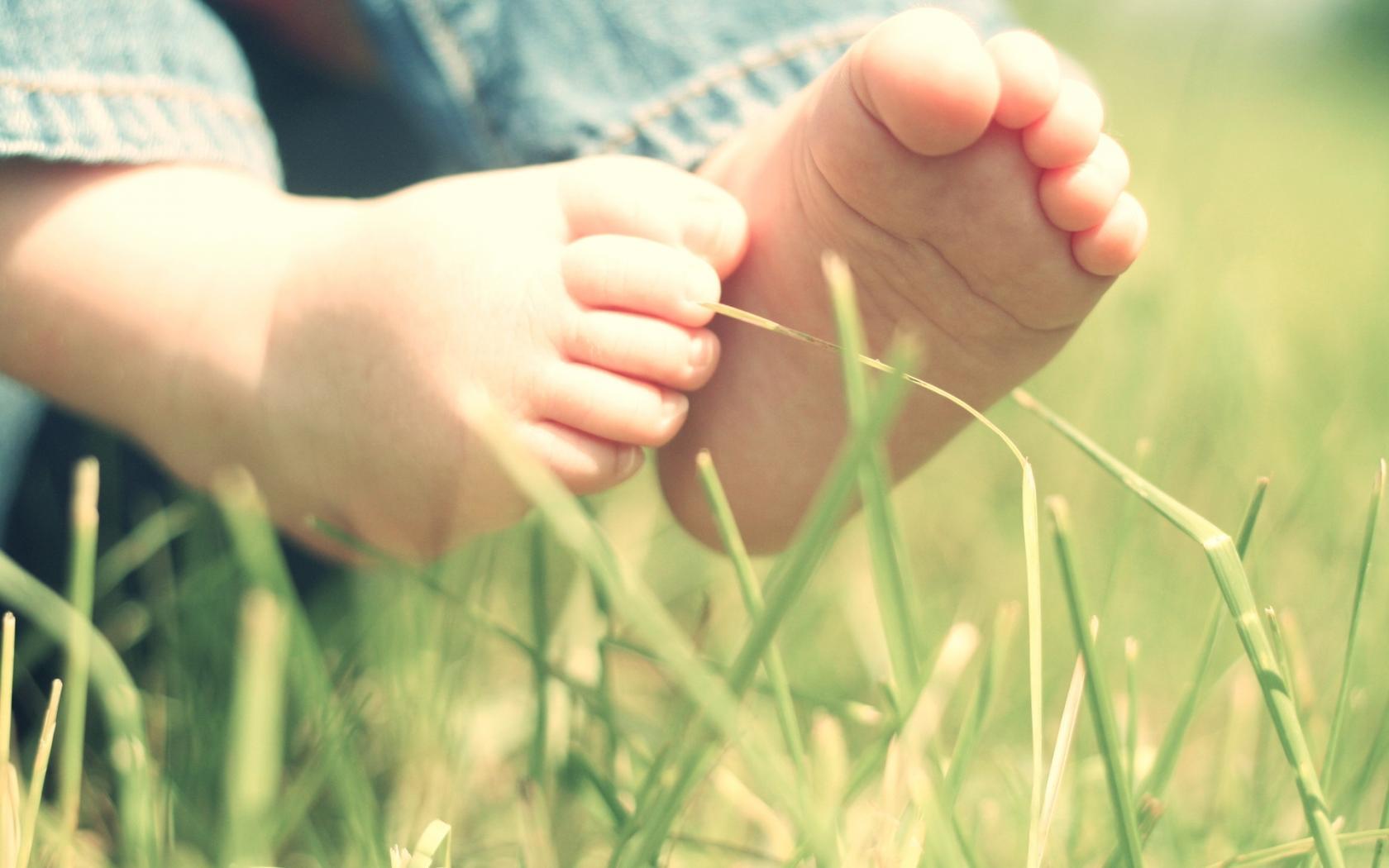 На Львівщині в наметі живцем згорів 2-річний хлопчик із Закарпаття