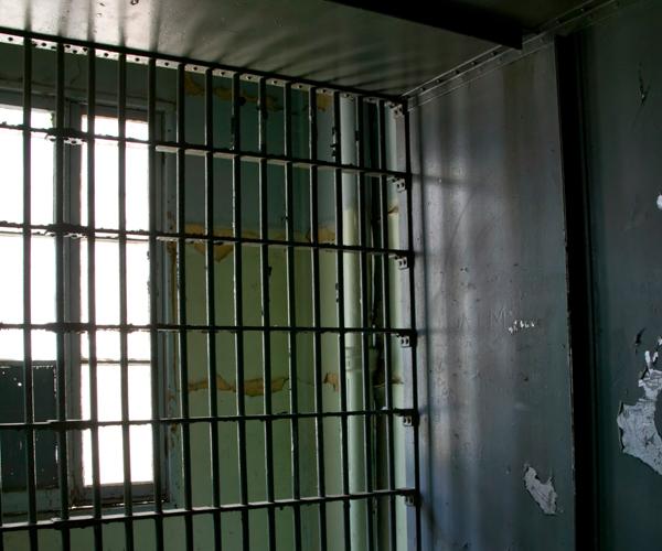 Прокуратура перевірила поширену у ЗМІ інформацію про безпідставне тримання ув'язнених осіб у колонії