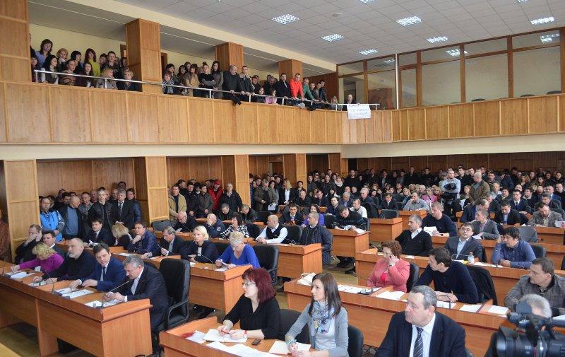 Сьогодні продовжиться скандальна сесія Ужгородської міськради