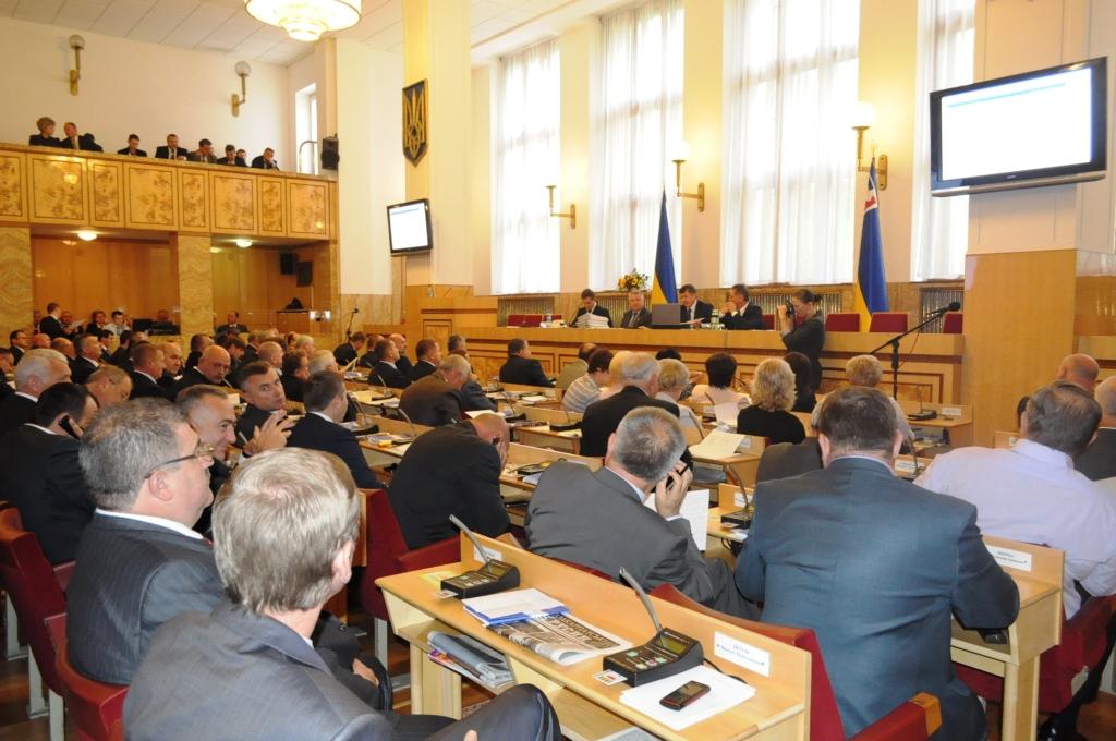 Керівників комунальних закладів пропонують затверджувати на сесіях