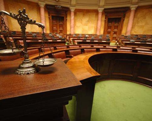 На скандальному з'їзді адвокатів голосували не усі делегати (ВІДЕО)