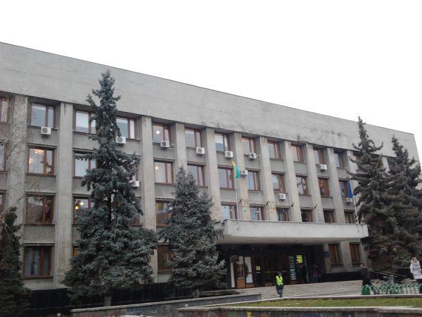 """В Ужгороді """"замінували"""" вже і міську раду"""