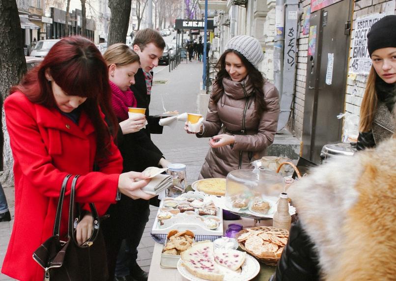 Поласувати смачними закарпатськими солодощами та випити гарячого глінтвейну можна було практично в центрі Києва (ВІДЕО)