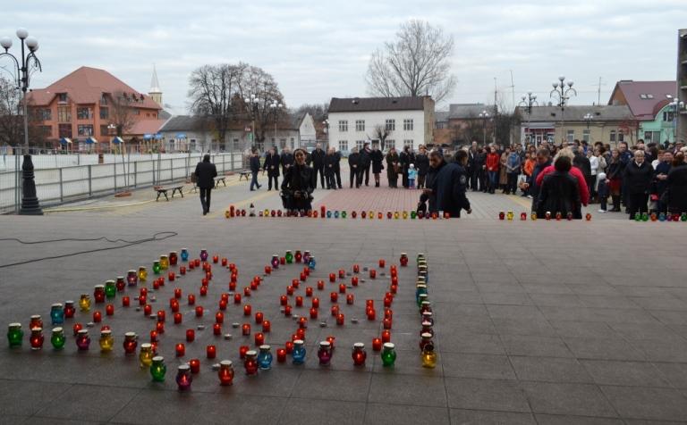 У Тячеві вшановували пам'ять жертв Голодомору