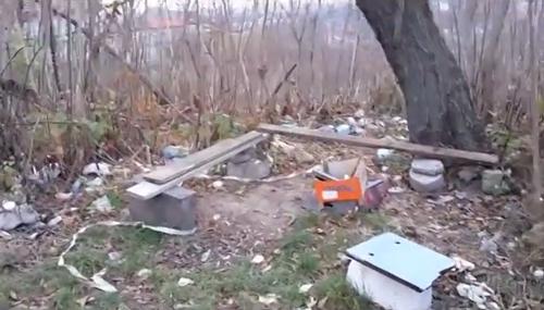 Район БАМу в Ужгороді перетворили, фактично, на великий смітник (ВІДЕО)