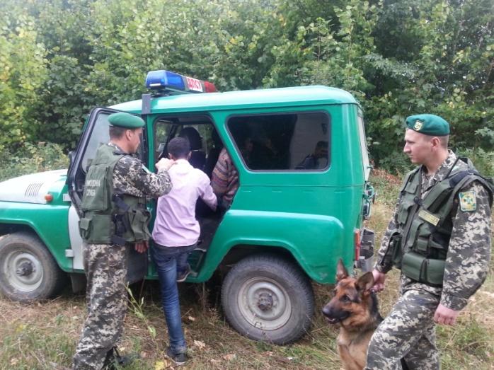 Прикордонники Мукачівського загону затримали двох нелегалів із Афганістану