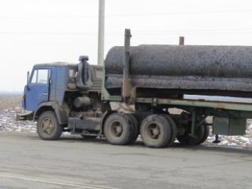 На Свалявщині невідомі загубили вантажівку з трубами