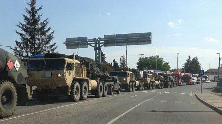 Російські ЗМІ вже по-своєму подають новину про колону військової техніки на угорсько-українському кордоні