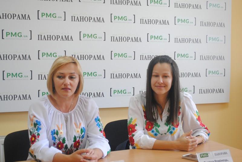 В першу чергу військові потребують психологічної підтримки, – волонтери центру при Мукачівському військовому шпиталі