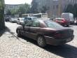 Водії перетворили тротуар на вулиці Ракоці в Ужгороді на стоянку