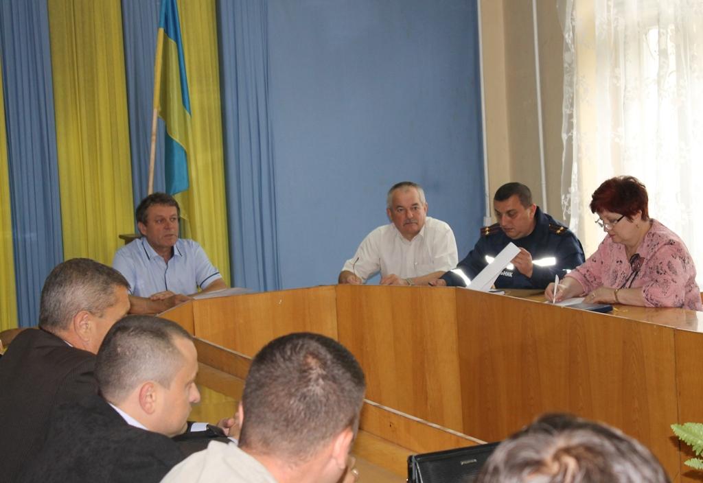 На Виноградівщині обговорили екологічну безпеку в районі