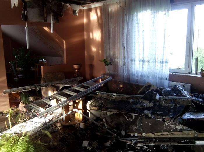 Пожежникам вдалося врятувати частину будинку від знищення вогнем