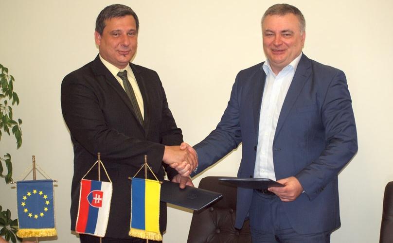 Керівництво УжНУ підписало угоду про співпрацю зі словацькою Вищою школою менеджменту