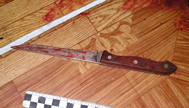 На Мукачівщині невідомий поранив ножем місцевого жителя